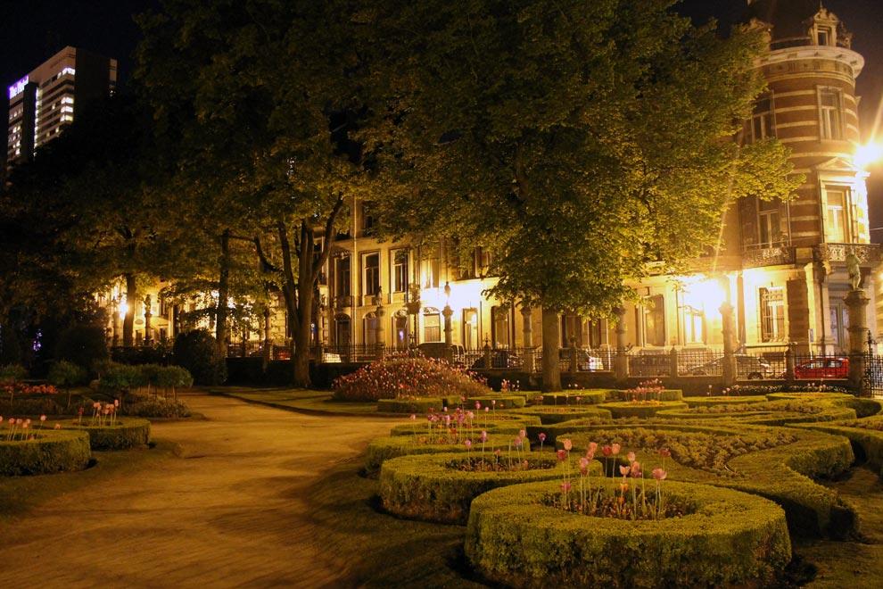 Брюссель. Ночной парк