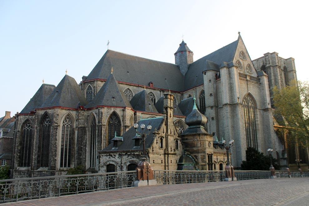 Гент. Церковь Святого Михаила