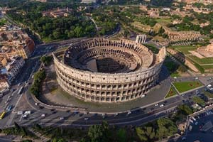 Дрон над Колизеем