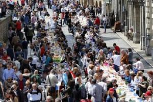 Уличный обед в Авилесе