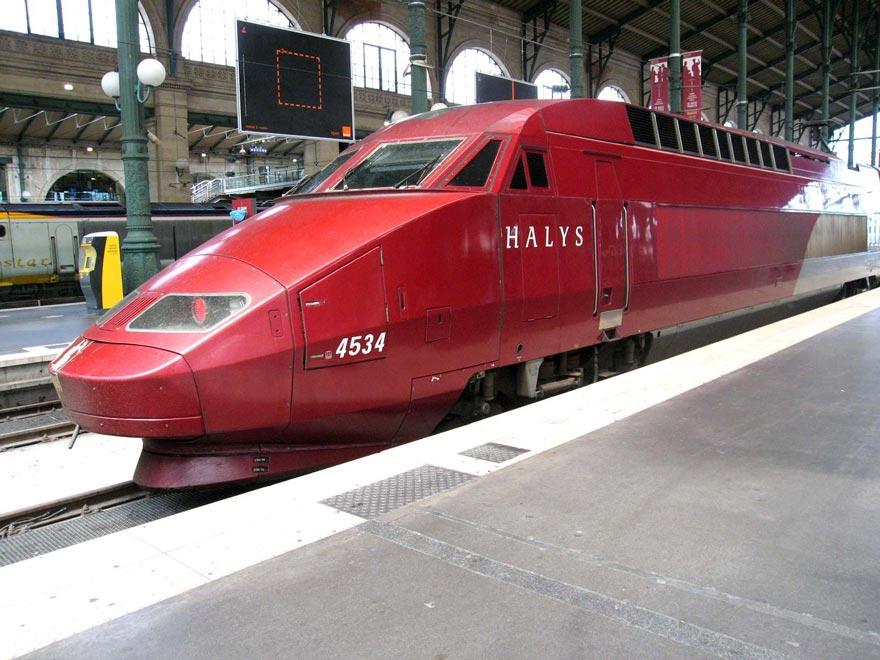 Скоростной поезд фирмы TGV