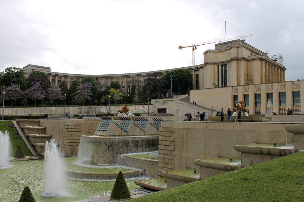 Париж. Фонтаны у Эйфелевой башни