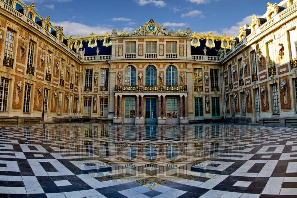 Мраморный двор в Версале