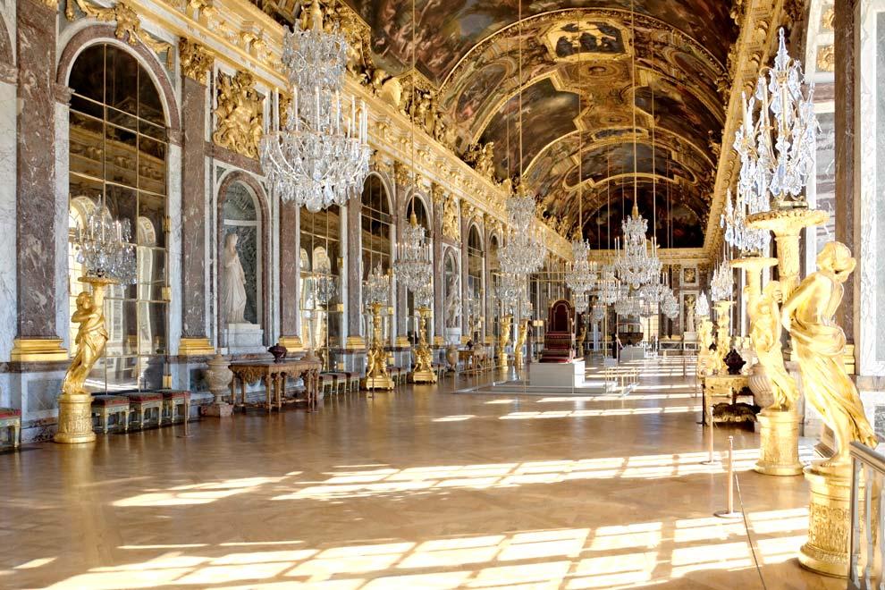 Зеркальная галерея в Версале
