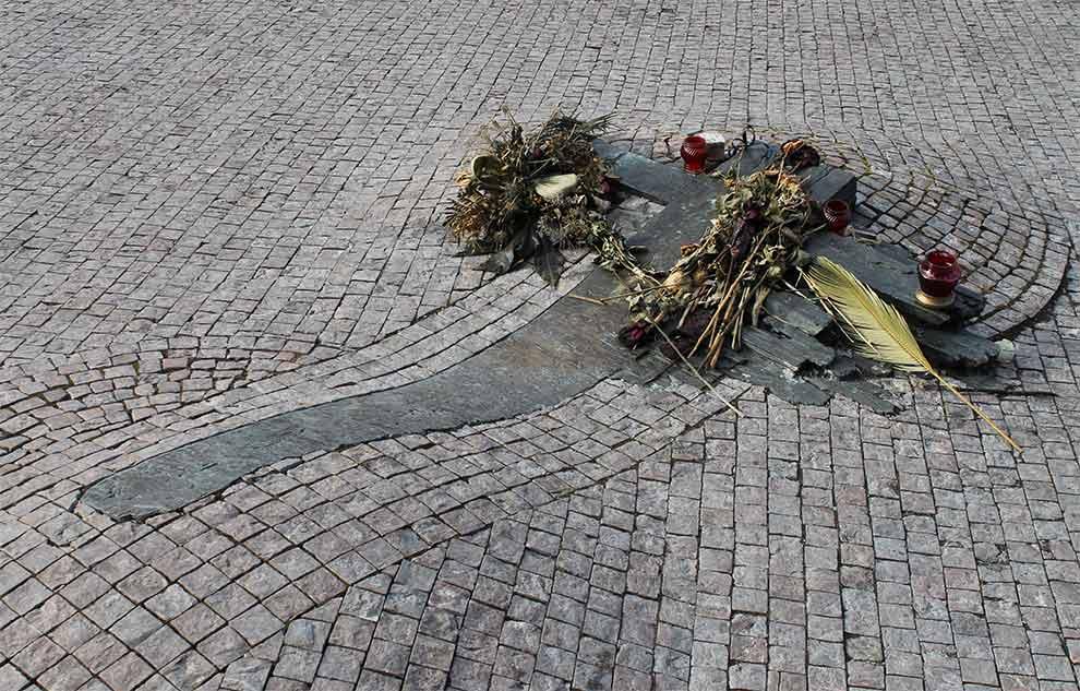 Прага. Памятник Яну Палаху