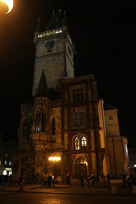 Прага. Ратуша в темени