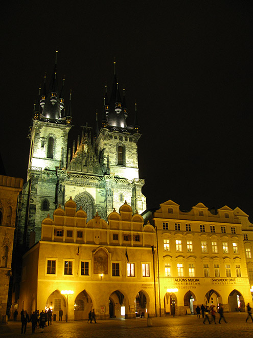 Прага. Тынский храм в ночи