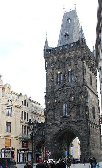 Прага. Пороховая башня. Выход