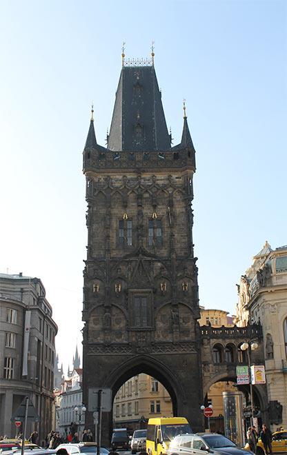 Прага. Пороховая башня. Вход