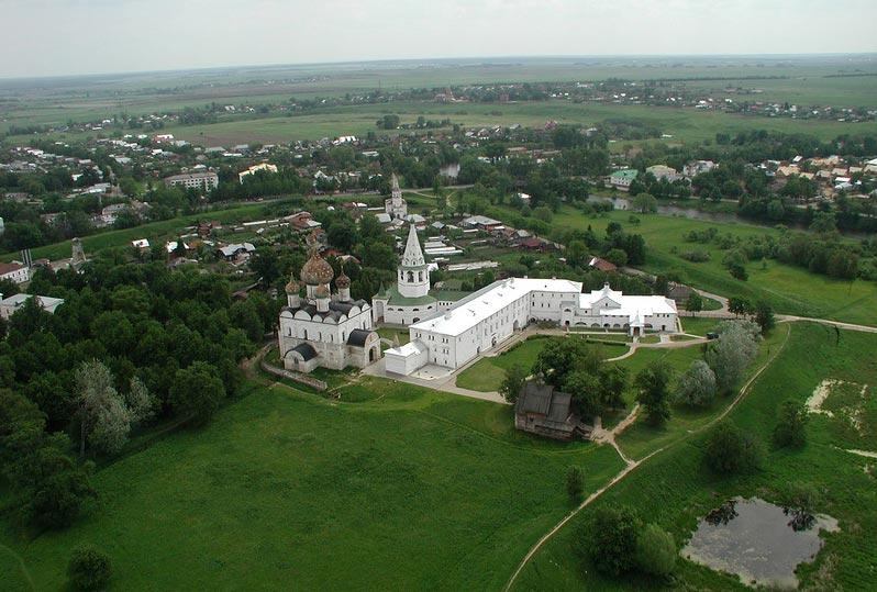 Россия. Суздальский кремль с Рождественским собором