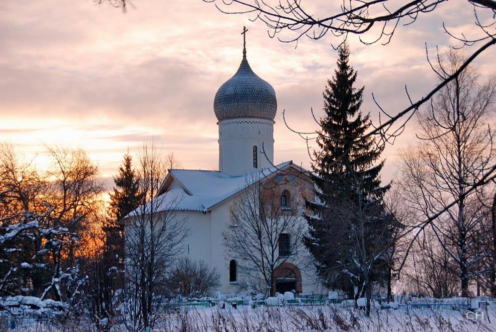 Россия. Церковь Благовещения на Мячине