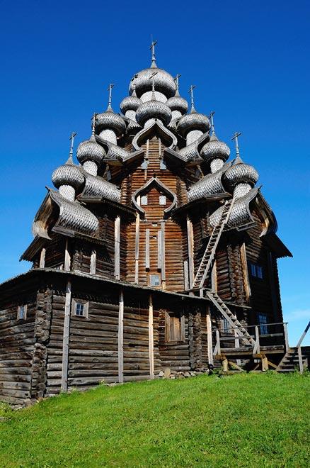 Россия. Кижский погост. Церковь Преображения Господня