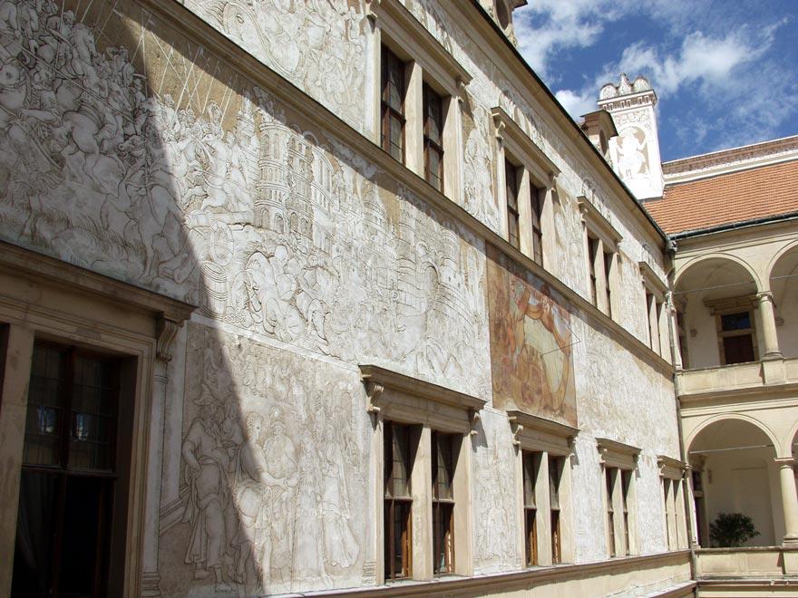 Чехия. Литомышльский замок. Техника росписи сграффито
