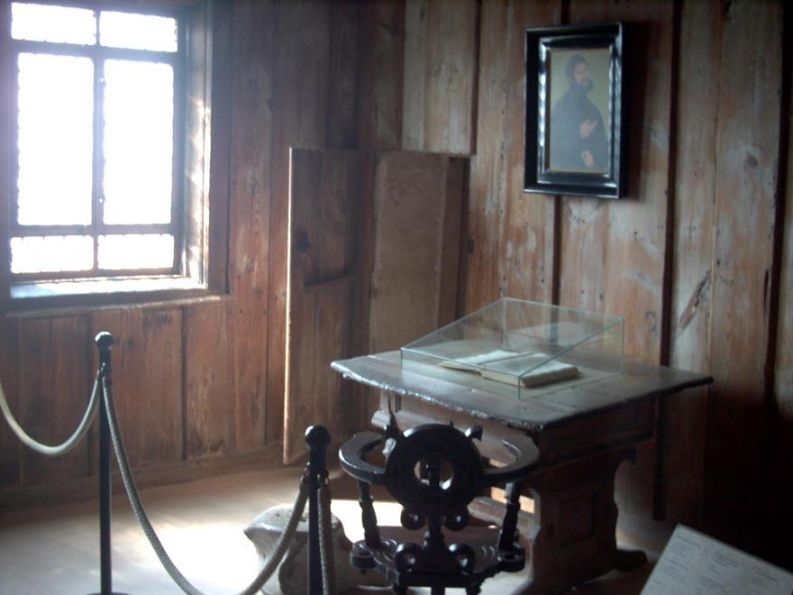 Комната Мартина Лютера в замке Вартбург. Германия