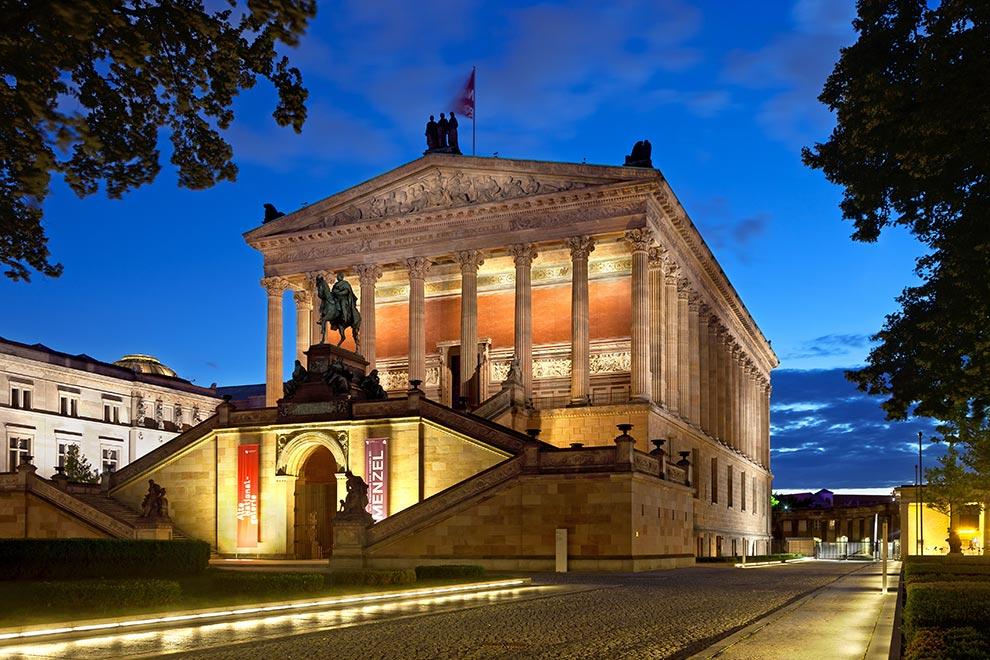 Старая Национальная Галерея. Музейный остров в Берлине. Германия