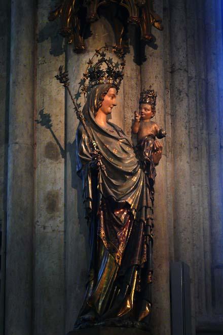 Миланская Мадонна в Кельнском Соборе. Германия