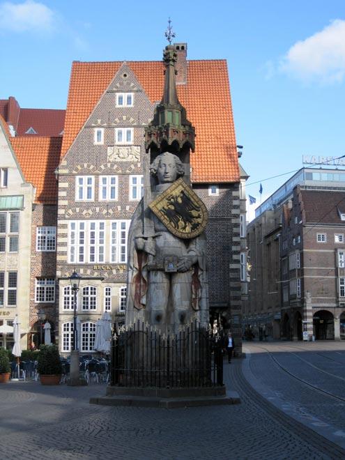 Статуя Роланда в Бремене. Германия